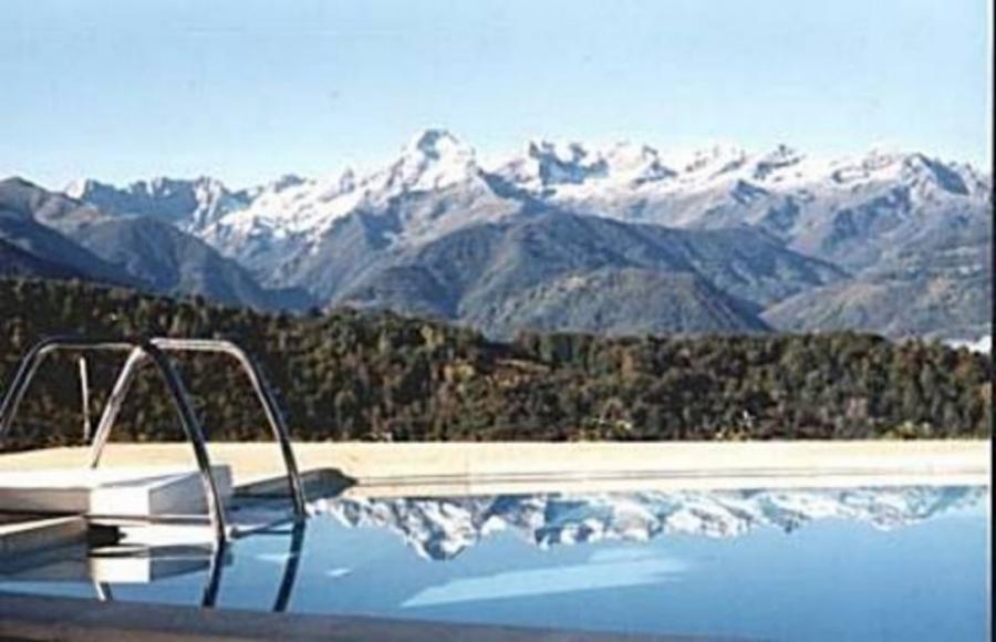 Gites de groupe midi pyrenees giga location for Location ariege avec piscine