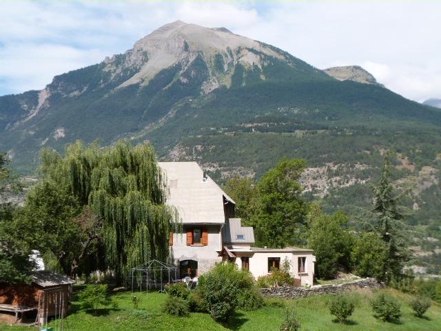 Gites de groupe hautes alpes giga location for Camping jardin de mon pere