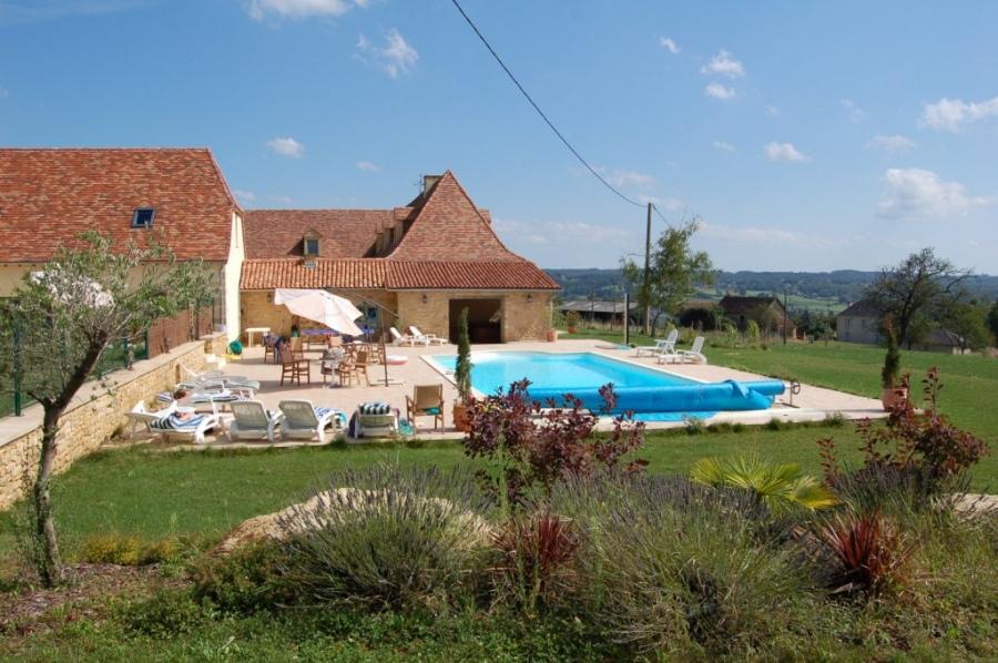 Location gite pour des vacances de groupe dans le for Vacances dordogne avec piscine