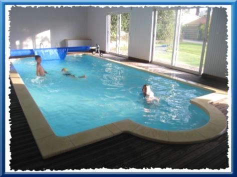 La fontaine fleurie gite de 12 pers plus 4 yourtes gite for Gite de groupe avec piscine couverte