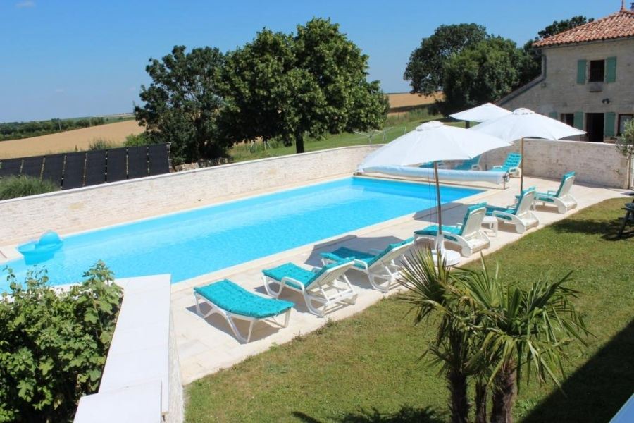 Domaine Pegon  Holiday Cottages With A Reception Hall Group Cottage Poitou Charentes Group Accommodation Charente Maritime Giga Location