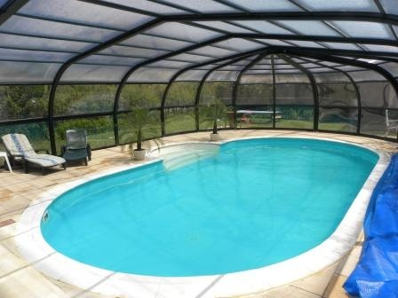 Grand gite le caveau de jaujac gite de groupe rhone for Gite de groupe avec piscine couverte