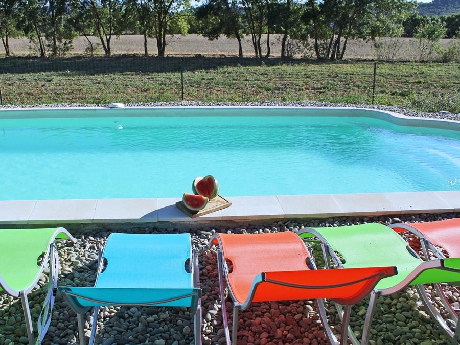 Bassegat nature belle maison 3 et sa piscine gite de for Gite provence piscine