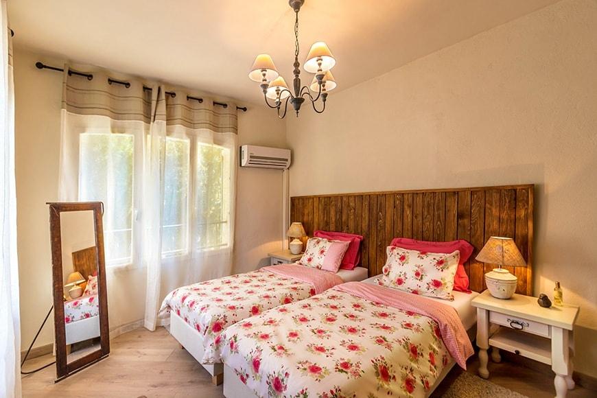 mas du cima 5 chambres d 39 h tes et 1 g te gite de groupe provence alpes cote d 39 azur gite. Black Bedroom Furniture Sets. Home Design Ideas